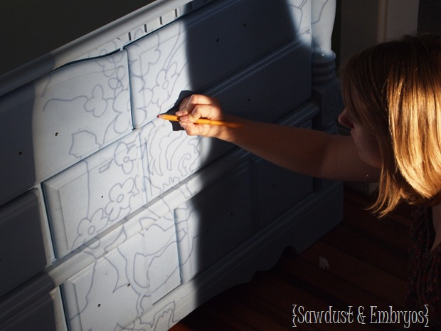 Using a Projector to paint beautiful designs on Furniture {Sawdust & Embryos}