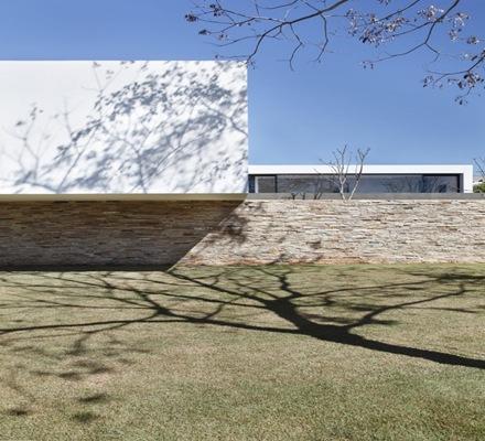 muros-fachada-muro-de-piedra-Casa-SN-Guilherme-Torres