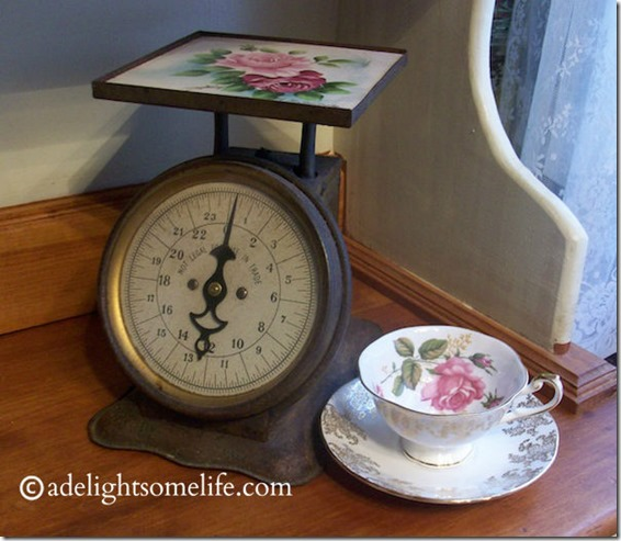 Rose-Thrifty-Find-teacup-and-scale