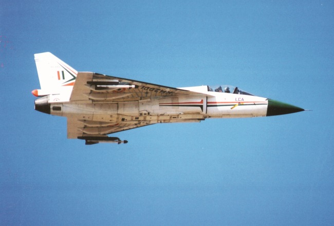 Light-Combat-Aircraft-LCA-Tejas-01