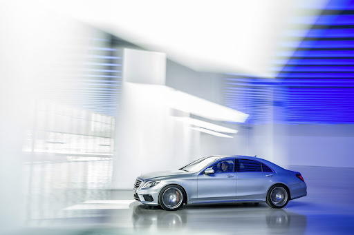 2014-Mercedes-Benz-S63-AMG-21.jpg