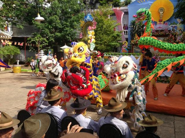 IMG 1972%252520%2525289%252529 Đại lễ Phật đản PL 2557 tại Tu viện Quảng Hương Già Lam