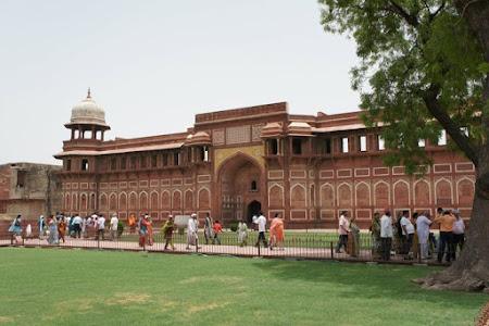 Fortul Rosu Agra