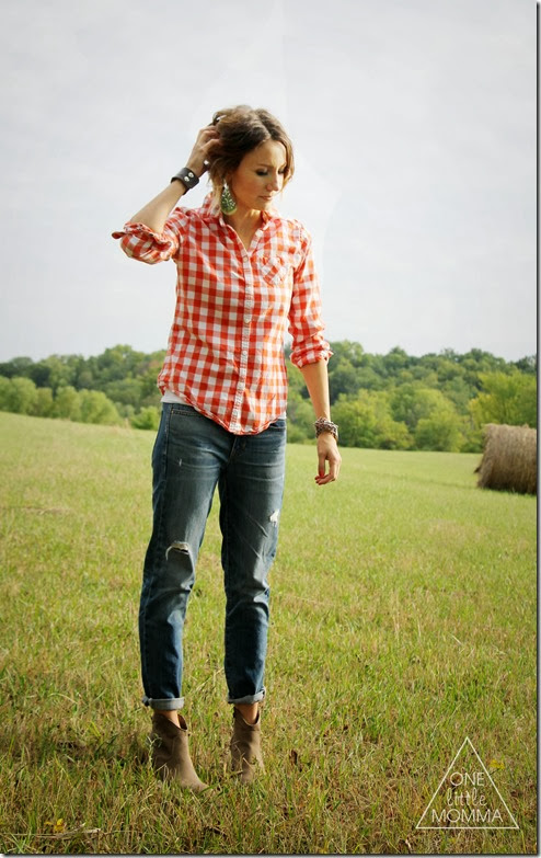 Pair red plaid, boyfriend jeans and ankle boots for a modern Fall look.