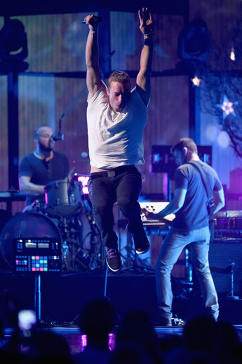Chris Martin 2014 iHeartRadio Music Festival 6XdyWtSRpatl