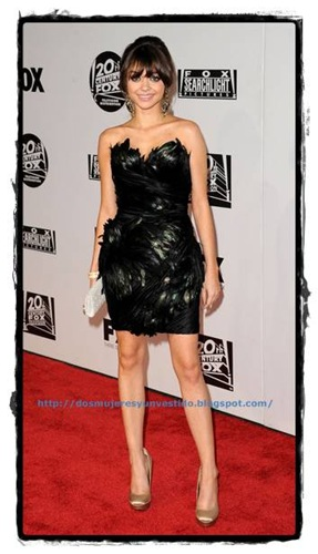 dejavu-Sarah Hyland arrives at the Fox Searchlight 2011 Golden Globe Awards Party