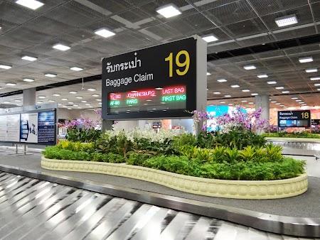 11. Aeroport Bangkok.JPG