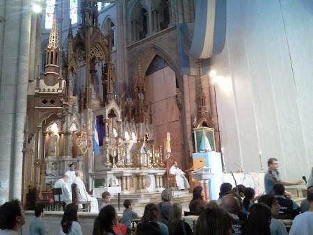 Slujba catolica in Argentina