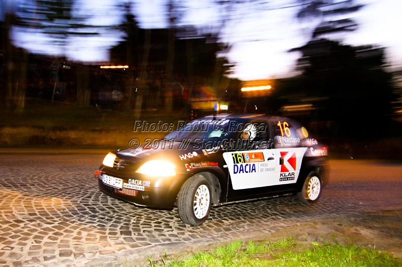 Bogdan Nastase si copilotul Alex Popidan participa la a doua editie a Raliului Tirgu Mures din cadrul Campionatului National de Raliuri Dunlop, in prima zi, pe serpentina veche din Tirgu Mures in data de 6 mai 2011.