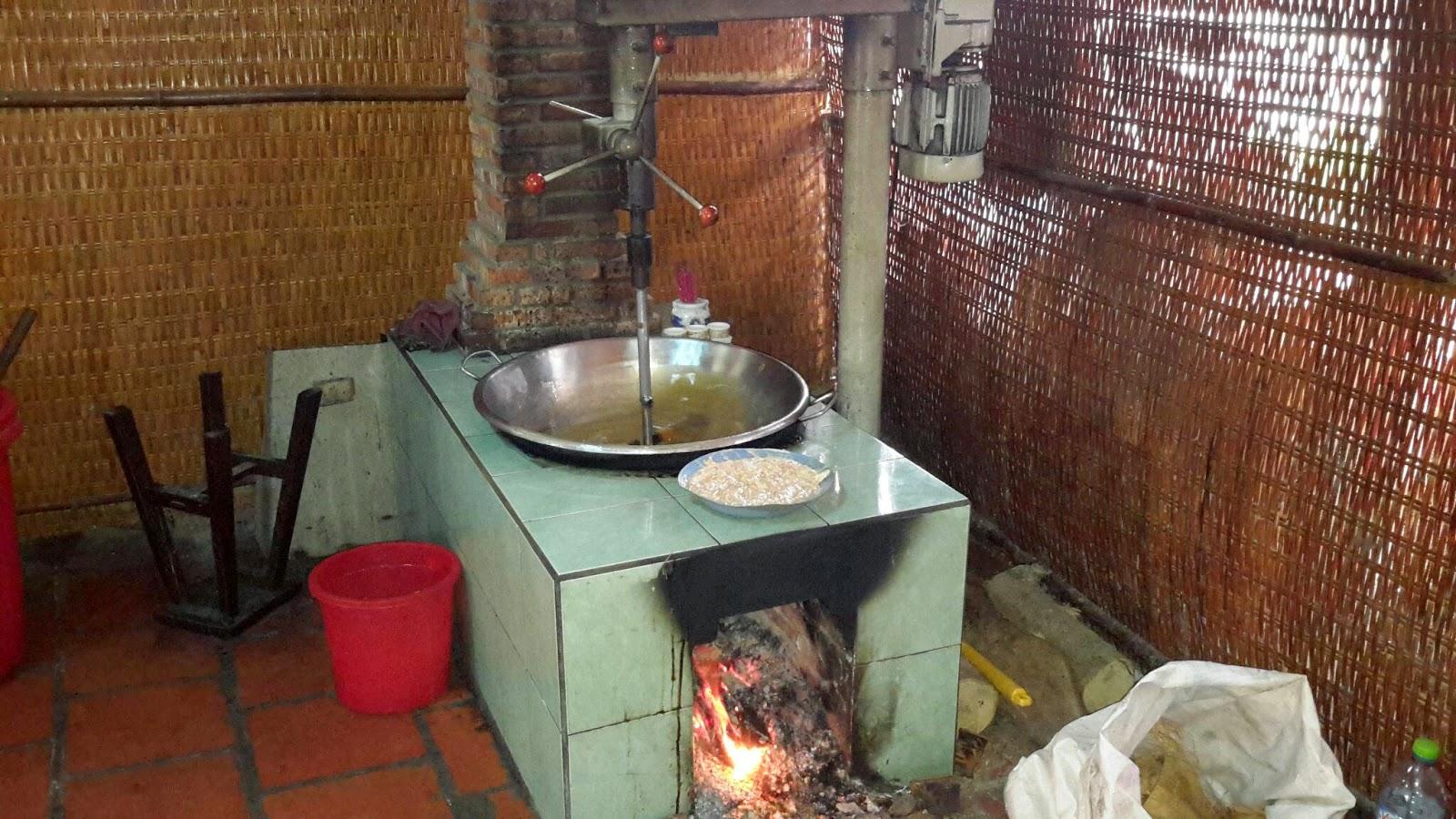 Visite des ateliers de fabrication de riz soufflé et de bonbons de noix de  coco b272d6bd85c