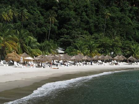 Plaja alba St. Lucia Caraibe
