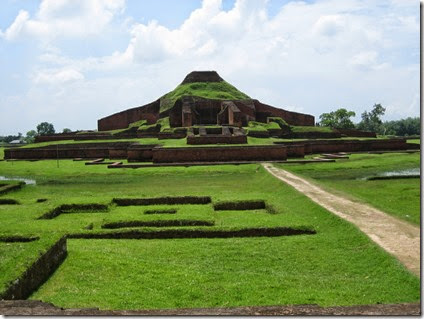 ruins_of_the_buddhist_vihara_at_paharpur__bangladesh__6_