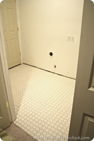 white tile gray grout hexagon