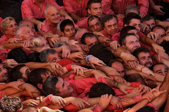 Colla Vella dels Xiquets de Valls. Diada castellera de la festa major de l'Arboç. L'Arboç, Baix Penedès, Tarragona