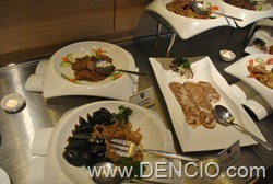 Vikings Luxury Buffet MOA047