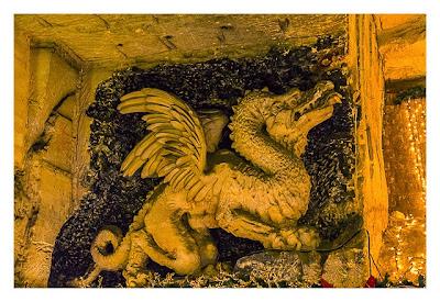 Valkenburg - Weihnachtsmarkt - Drache aus Stein
