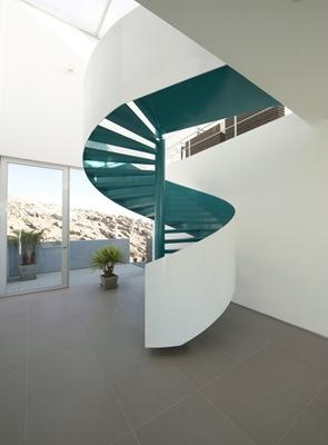 diseño escaleras caracol casa moderna