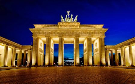 Poarta Brandenburg - Berlin.jpg