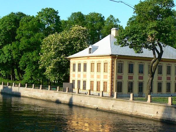 Imagini Rusia: palatul de vara Sankt Petersburg.JPG