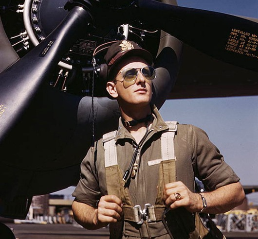 Ray-Ban_sunglasses_aviator_1940