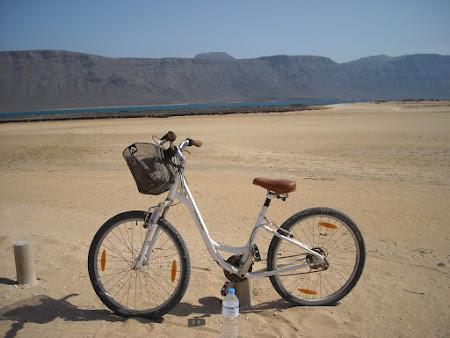 Cu bicicleta in Lanzarote