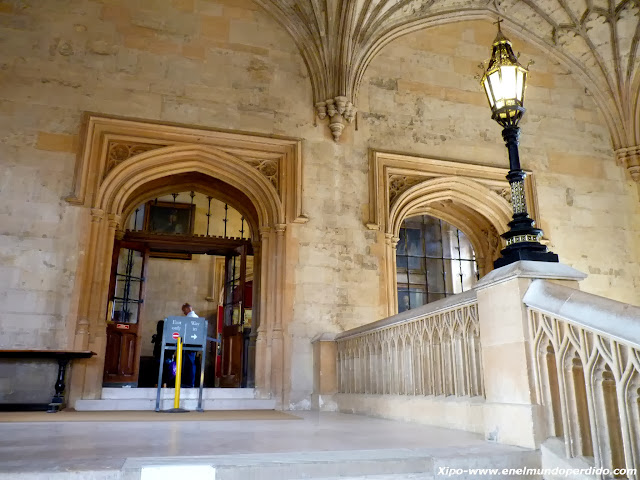 escalera-gran-comedor-oxford-harry-potter.JPG