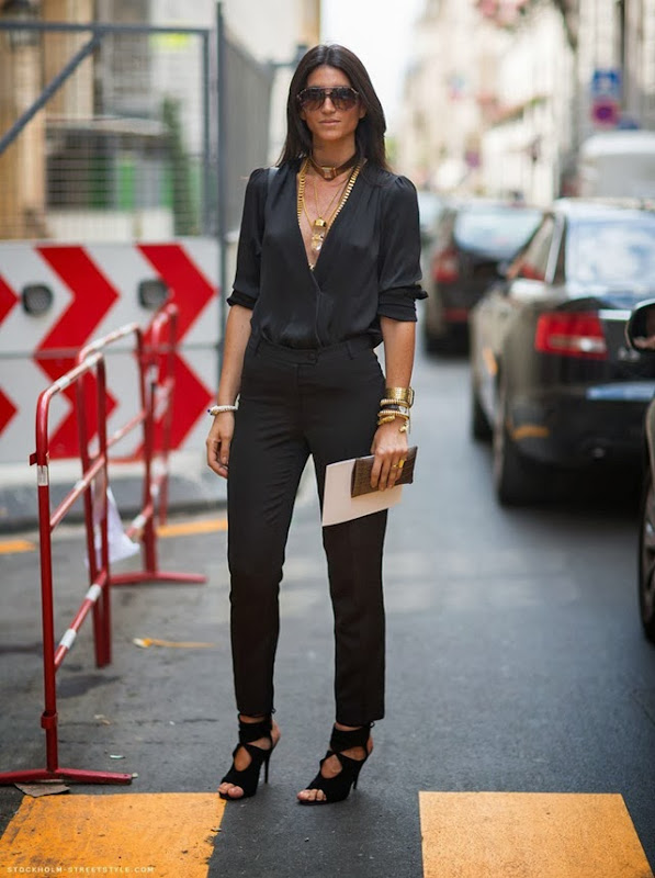 la-modella-mafia-Model-Street-Style-Lian-Kebudi-black-with-gold-chain-necklaces-2