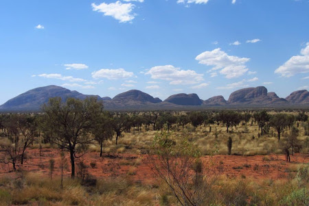 Imagini Uluru:  Kata Tjuta in zare
