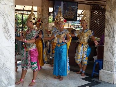 Imagini Bangkok: Dansatoare thailandeze