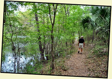 02b - Hiking - Pretty Hike along the Suwannee River