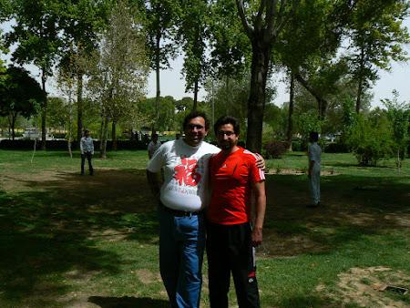 Fun in Esfahan - cu un tip cu care am jucat volei