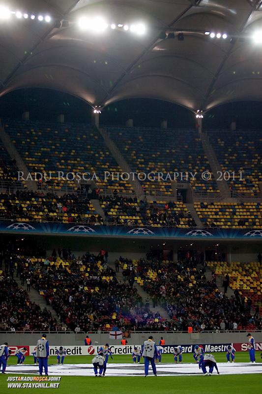 Stadionul inaintea inceperii meciului dintre FC Otelul Galati si Manchester United din cadrul UEFA Champions League disputat marti, 18 octombrie 2011 pe Arena Nationala din Bucuresti.