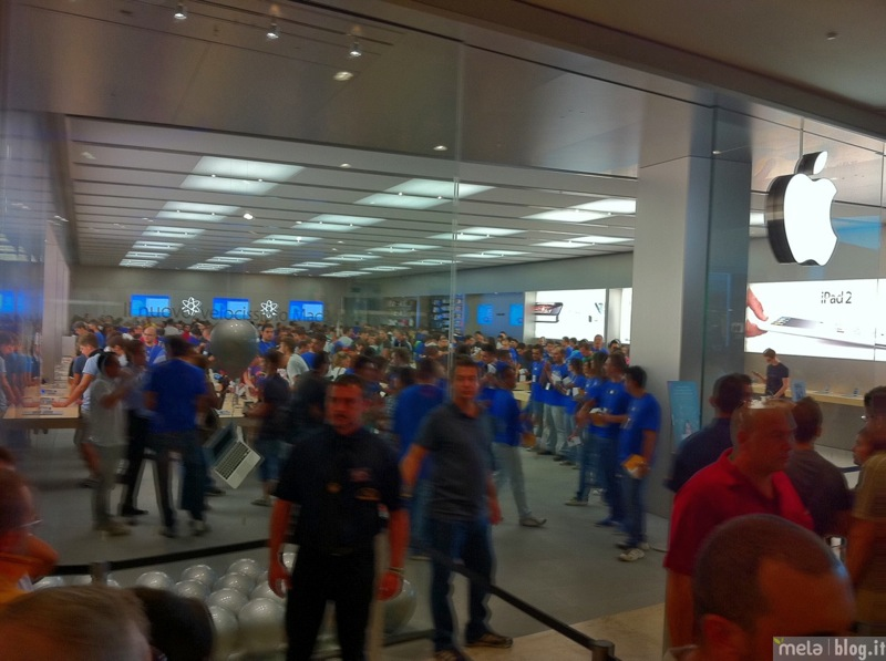 Big applestorecampaniainaugurazione 01