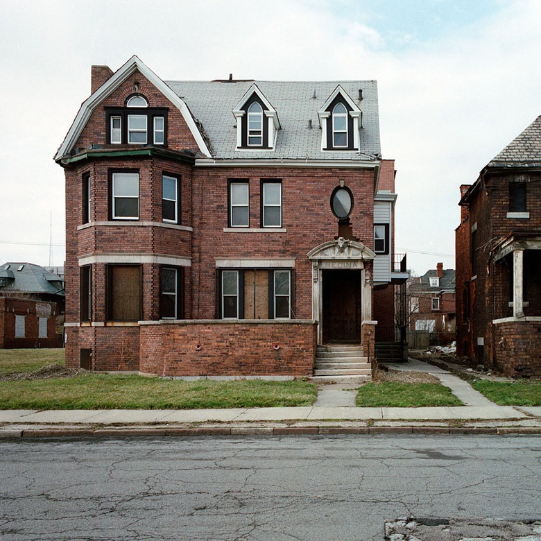 abandoned-detroit-homes3