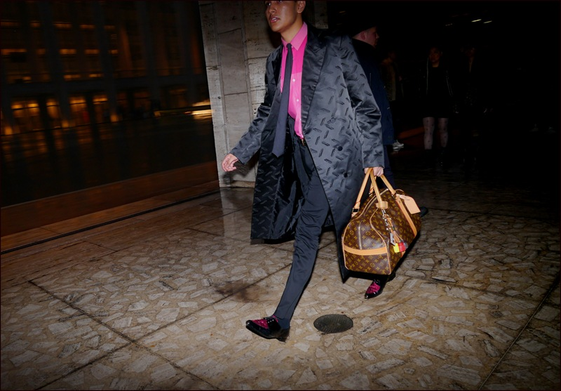 fw 2-2013 slippery when wet 2 black pattern over coat two tone bright pink shirt louis vuitton bag ol