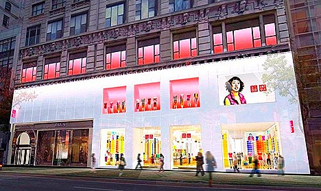 UNIQLO NEW YORK 34TH STREET GLOBAL FLAGSHIP STORES OPEN