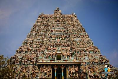 4-poarta-intrare-templu-sri-minakshi-madurai-india.jpg