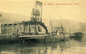 Uno de los clasicos vapores de MacAndrews, incluso podria ser el mismo BAZAN. Postal.JPG