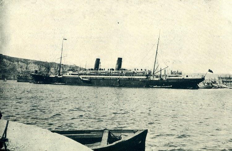 12-El ALFONSO XIII en Barcelona. Del LIBRO DE INFORMACIÓN PARA EL PASAJERO. AÑO 1923. COMPAÑÍA TRASATLANTICA.JPG