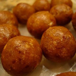 Averie's High Raw All Vegan Sugar Cookie Dough Balls.