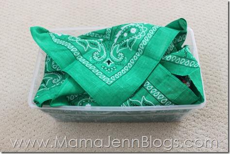 "Operation Christmas Child: ""Wrapping"" a Plastic Shoe Box with a Bandana"