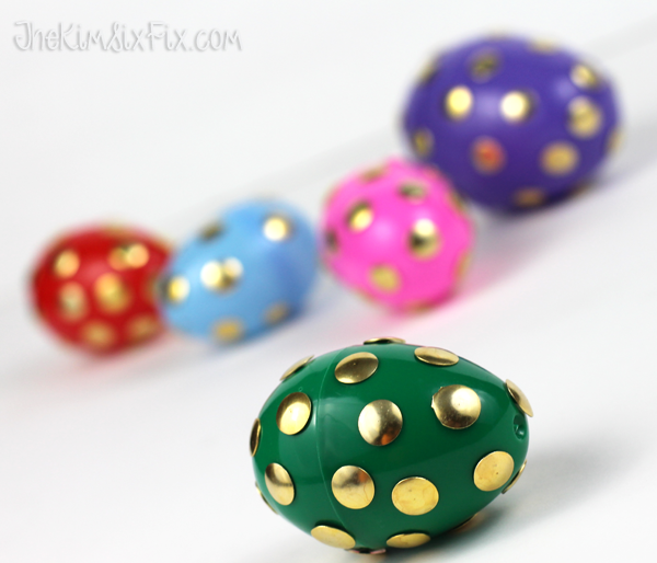 Thumb tack easter egg