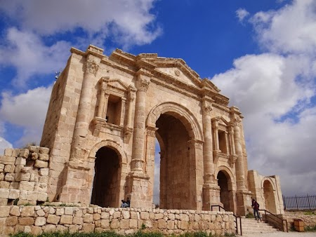 07. Arcul de Triumf Jerash.JPG