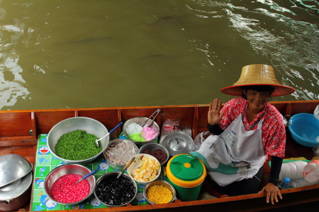 Dessert being served at the Taling Chan Floating Market, Bangkok