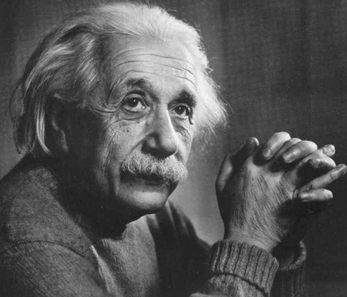 Albert-Einstein_A-Sociable-Man_908