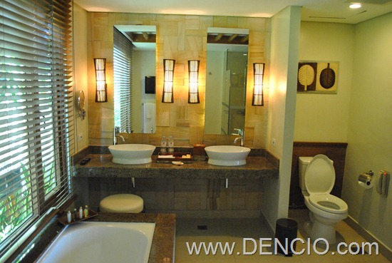 Crimson Resort and Spa Mactan Cebu Rooms 085