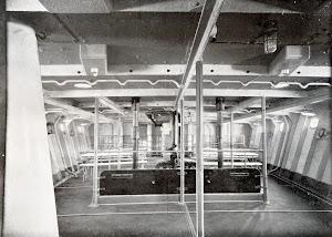 Vista del sollado de marineria del buque. Foto del libro OBRAS. S.E. de C.N. Año 1923.jpg