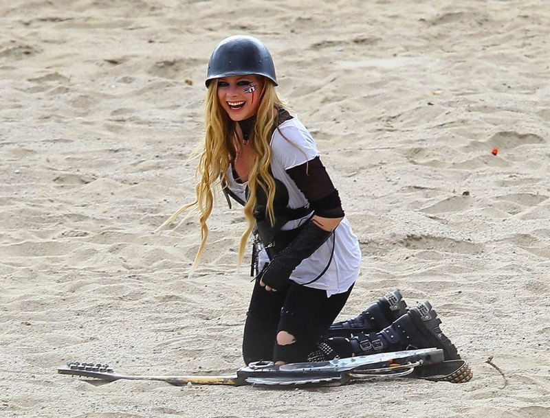 Avril Lavigne Filming her Video Rock N Roll in Palmdale 4