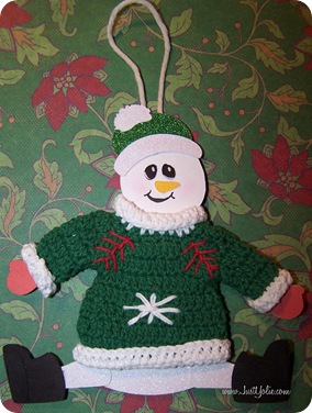 yolie snowman in sweater