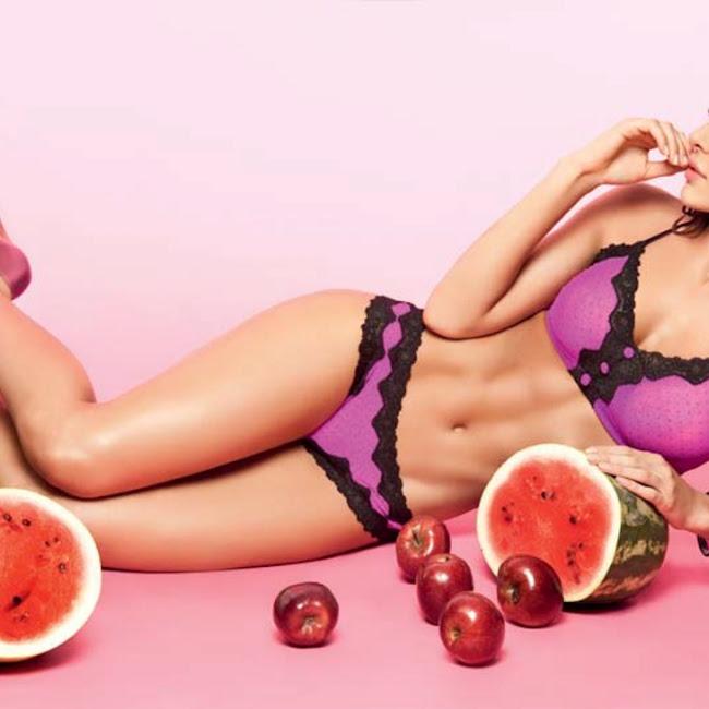 Natalia Velez Sexy Lenceria Besame Foto 36